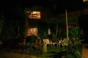 Ecolodge Itororo cottage by night